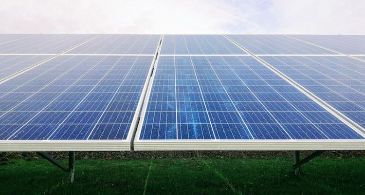 Usar energías renovables en el espacio laboral