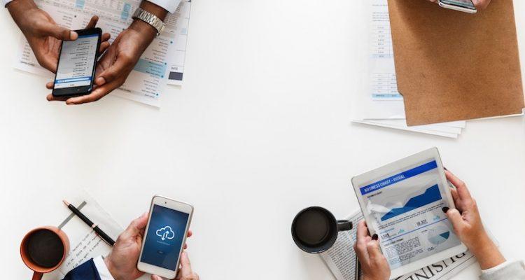Tarjetas digitales herramienta para el networking empresarial